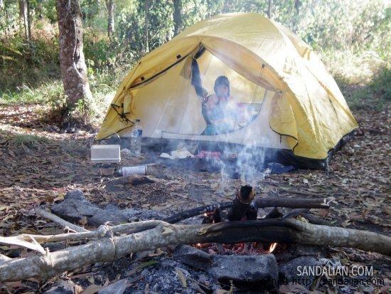 Camping Pertama Lumen