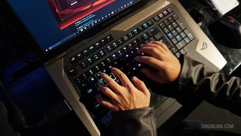 mechanical keyboard backlight ASUS ROG GX800
